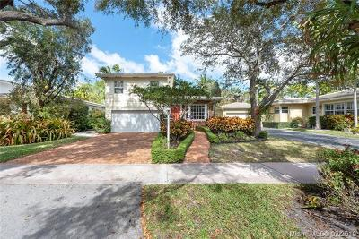Coral Gables Single Family Home For Sale: 905 Andres Ave
