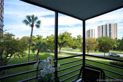 Aventura Condo For Sale: 20400 W Country Club Dr #306