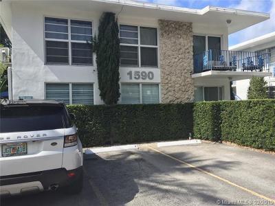 Miami Beach Condo For Sale: 1590 Michigan Ave #6