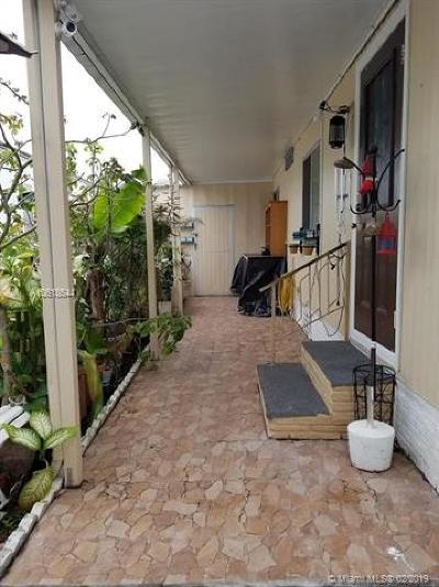 Hallandale Single Family Home For Sale: 3005 SW 23 St