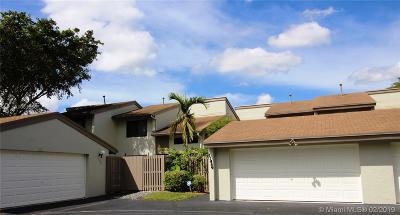 Miami-Dade County Condo For Sale: 11439 SW 110th Ln