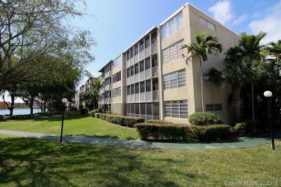 North Miami Beach Condo Active With Contract: 1670 NE 191st St #403-3