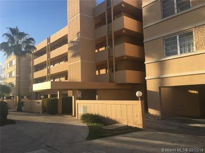 North Miami Beach Condo For Sale: 3527 NE 168th St #207