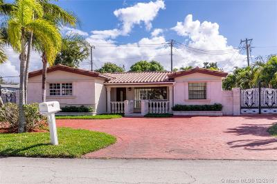 Pembroke Pines Single Family Home For Sale: 7190 SW 15th St