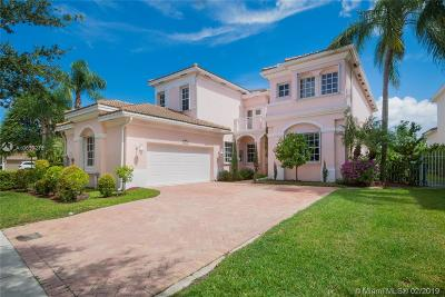 Miami Single Family Home For Sale: 1590 Presidential Way