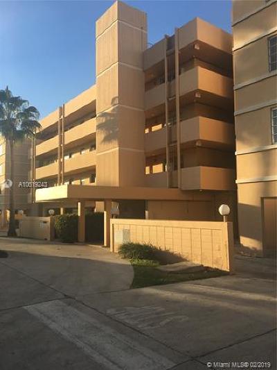 North Miami Beach Condo For Sale: 3527 NE 168th St #208
