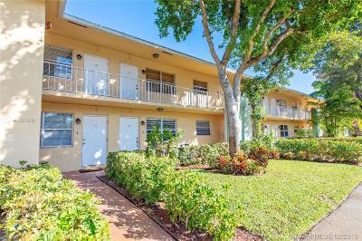 Wilton Manors Condo For Sale: 2607 NE 8th Ave #31