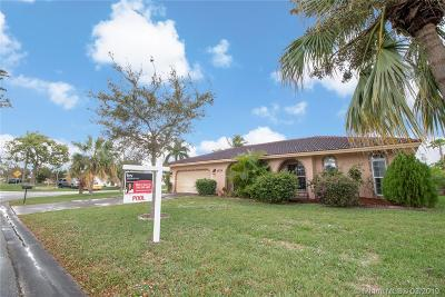 Coral Springs Single Family Home For Sale: 4230 NW 107th Ave