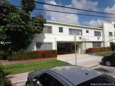 Miami-Dade County Condo For Sale: 2250 Bay Dr #17