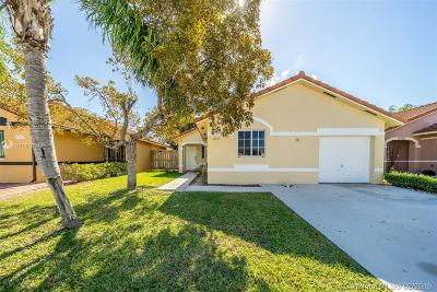 Miami Single Family Home For Sale: 17655 SW 146