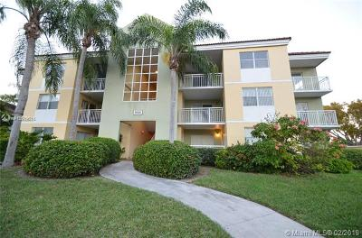 Cutler Bay Condo For Sale: 8610 SW 212th St #203