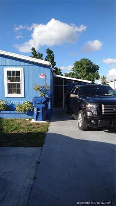 Miami Gardens Single Family Home For Sale: 5373 NW 201 Avenue