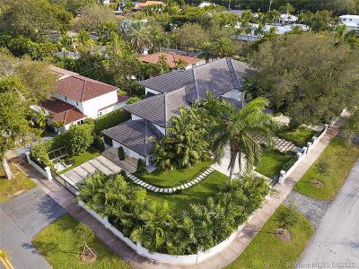 Coral Gables Single Family Home For Sale: 6611 Leonardo St