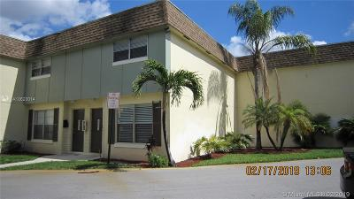 Plantation Condo For Sale: 4621 NW 9th Dr #4621