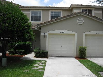 Tamarac Condo For Sale: 8549 W Southgate Shores Cir #8549