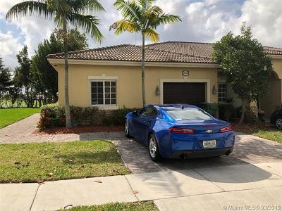 Miami-Dade County Condo For Sale: 3268 NE 11th Dr #3268