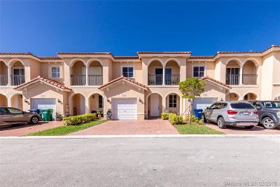 Miami-Dade County Condo For Sale: 7052 SW 166th Pl