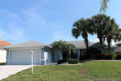 Palm Beach County Single Family Home For Sale: 584 W Cypress Dr