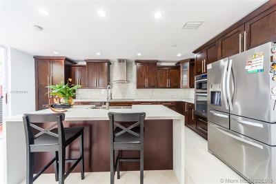 Miami-Dade County Condo For Sale: 8717 SW 158th Pl #8717