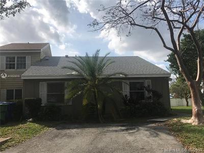 Miami-Dade County Condo For Sale: 14414 SW 143rd Ct #14414