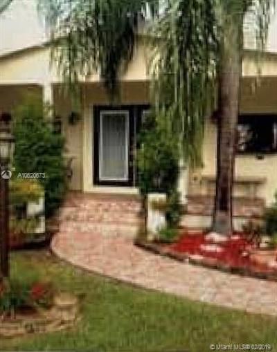 Pembroke Park Single Family Home For Sale: 4801 SW 27th Ct