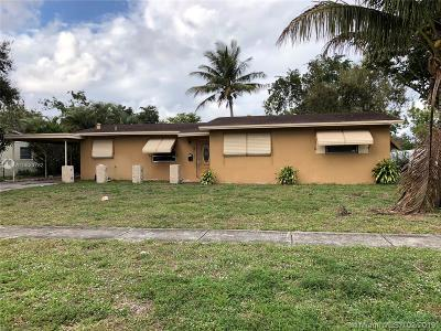 Plantation Single Family Home Active With Contract: 4713 NW 3rd St