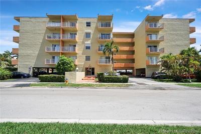 Miami-Dade County Condo For Sale: 3545 NE 167th St #307