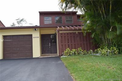 Pembroke Pines Single Family Home For Sale: 10036 SW 16 Street