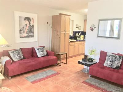 Hollywood Single Family Home For Sale: 6103 Monroe St