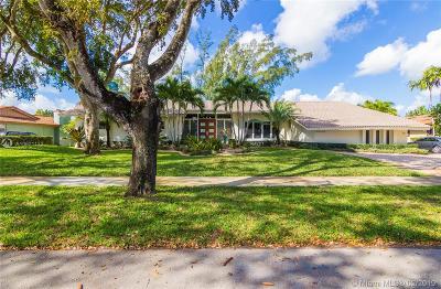 Miami Lakes Single Family Home For Sale: 16110 W Prestwick Pl