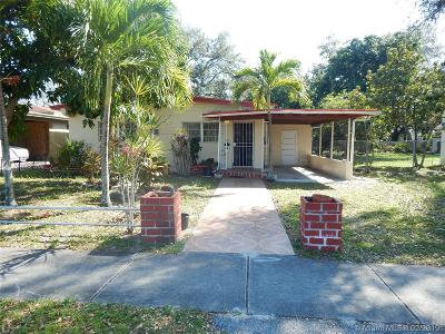 North Miami Beach Single Family Home For Sale: 1260 NE 153rd St