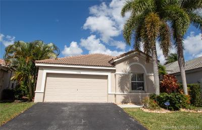 Weston Single Family Home For Sale: 1596 Banyan Way