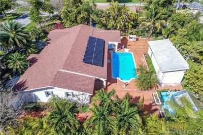 Palmetto Bay Single Family Home For Sale: 17425 SW 87th Ave