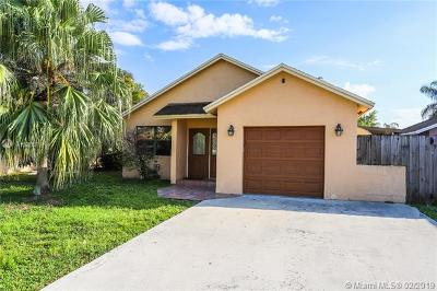 Cooper City Single Family Home For Sale: 9806 SW 57th St
