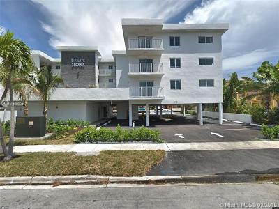 Miami Beach Condo For Sale: 3755 NE 167 #2