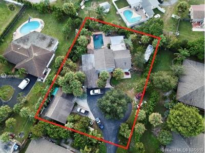 West Palm Beach Single Family Home For Sale: 3032 Collin Dr