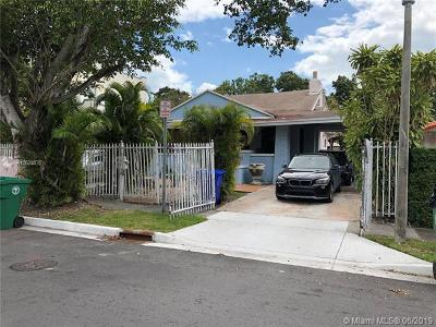Miami Single Family Home For Sale: 1652 SW 12th St