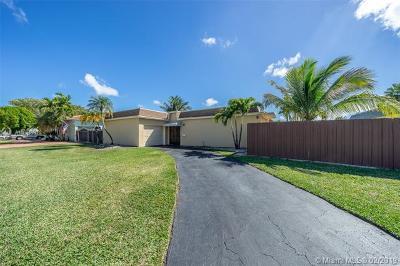 Miami Single Family Home For Sale: 10220 SW 86 Street