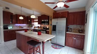 Miami Single Family Home For Sale: 7213 SW 149th Ct