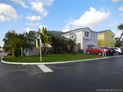 Miami FL Single Family Home For Sale: $427,000