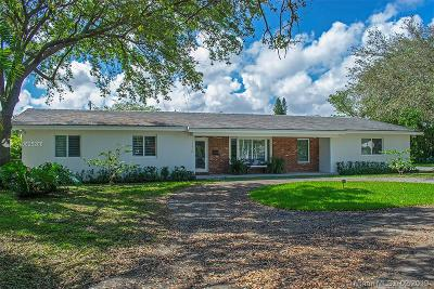 Pinecrest Single Family Home For Sale: 13450 SW 82 Ct