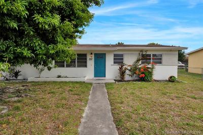 Hialeah Single Family Home For Sale: 4221 W 6th Ave