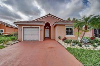 Lake Worth Single Family Home For Sale: 8193 Pelican Harbour Dr