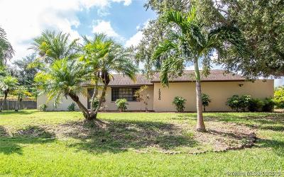 Homestead Single Family Home For Sale: 15920 SW 283 St.
