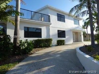 Riviera Beach Single Family Home For Sale: 401 Wilma Cir