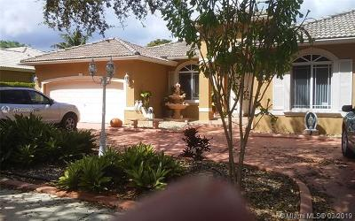 Miami Lakes Single Family Home For Sale: 7863 NW 164th St