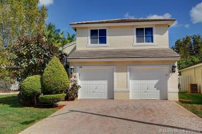 Hollywood Single Family Home For Sale: 4902 SW 32nd Way