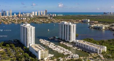 North Miami Beach Condo For Sale: 17301 Biscayne Blvd #910