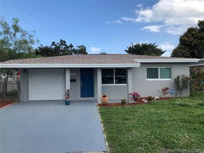 Oakland Park Single Family Home For Sale: 4810 NE 5th Ter
