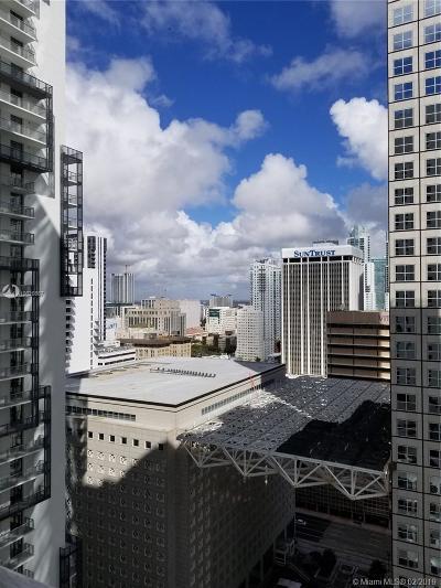 Met 1, Met 1 Condo, Met 1 Condominium, Met 1 Condo`, Met 1 Miami Rental For Rent: 300 S Biscayne Blvd #T-2403
